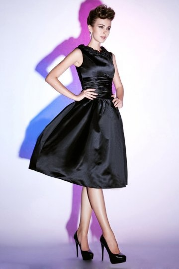 Appliques Scoop Neck Satin Black Knee Length Formal Dress Dressesmall