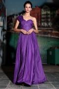 Robe violette à seule épaule ruchée ornée de strass