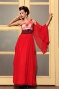 Robe rouge longue empire dentelle brodée seule épaule