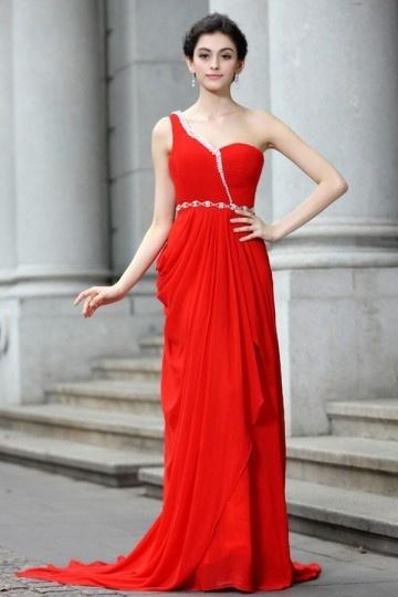 Vestido vermelho longo assimétrico Império decorado de jóias