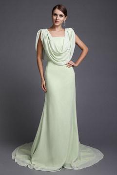 Robe de soirée longue élégante drapée en mousseline verte