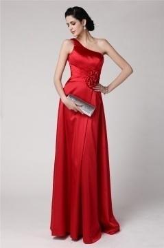 Robe gala rouge asymétrique longue sol ornée de fleurs fait-main
