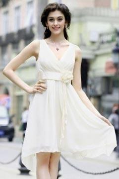 V neck Pleats Chiffon Flower Short White Bridesmaid Dresses