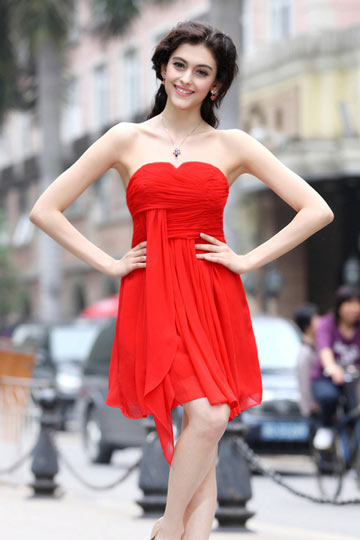 Pequeno Vestido vermelho bustiê Império plissado e simple em Chiffon