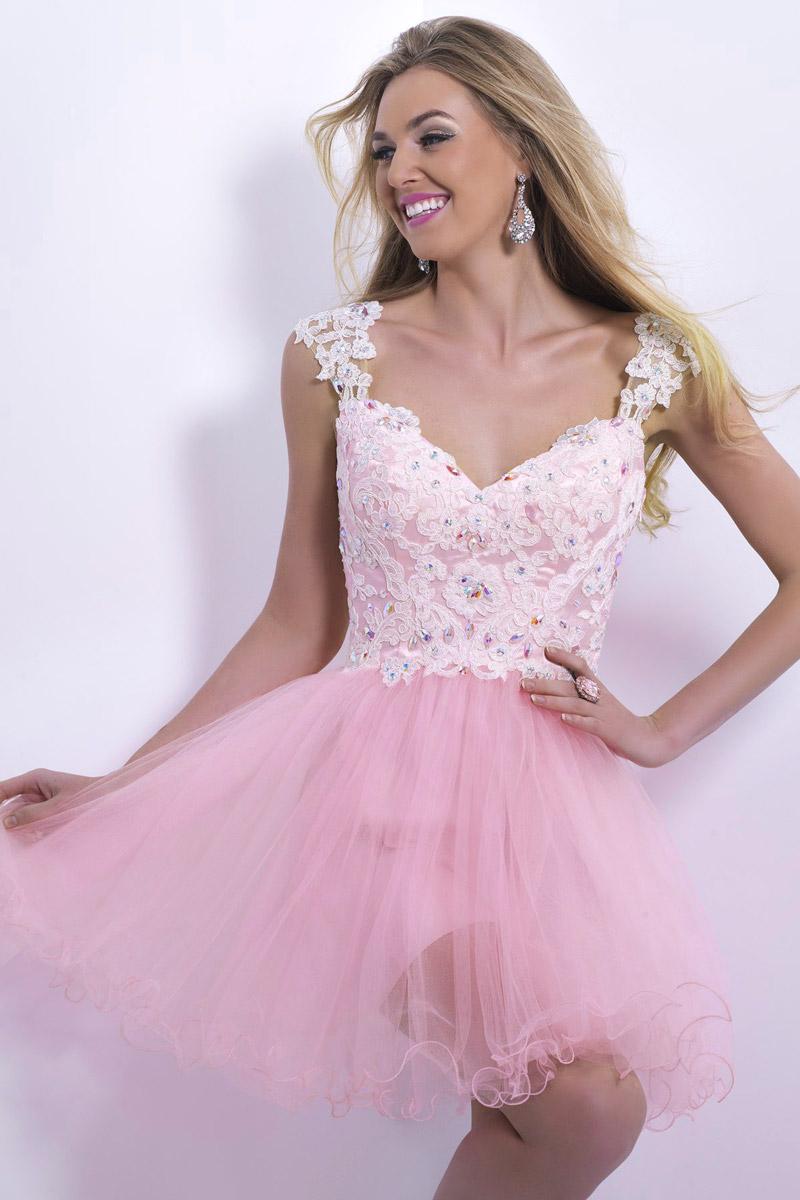 Robe cocktail de mariage rose décolletée en coeur
