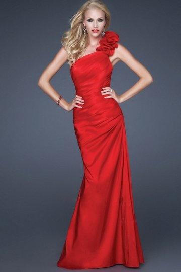 Ein schulter applikation perlen verziertes rotes satin ballkleid 850 abendkleider online - Rotes abendkleid lang ...