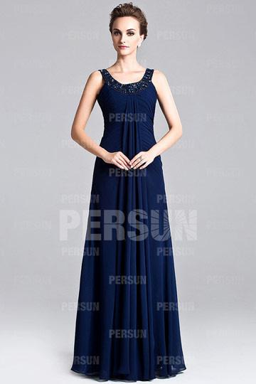 Une robe bleue longue pour un mariage à thème