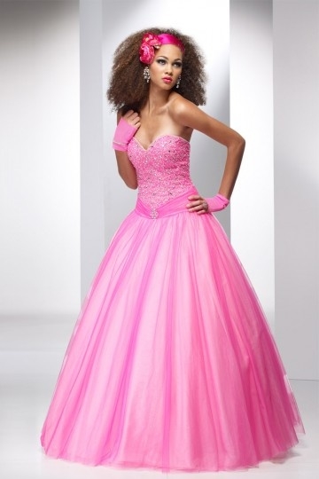 Belle robe de princesse rose sans bretelle