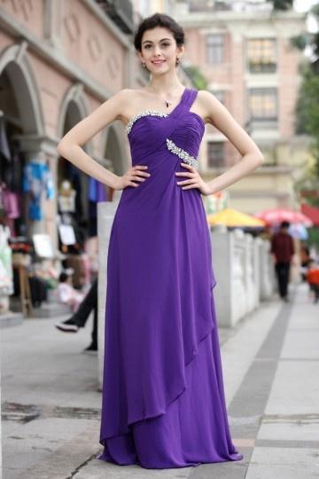 Vestido violeta um ombro pregueado decorado de jóias