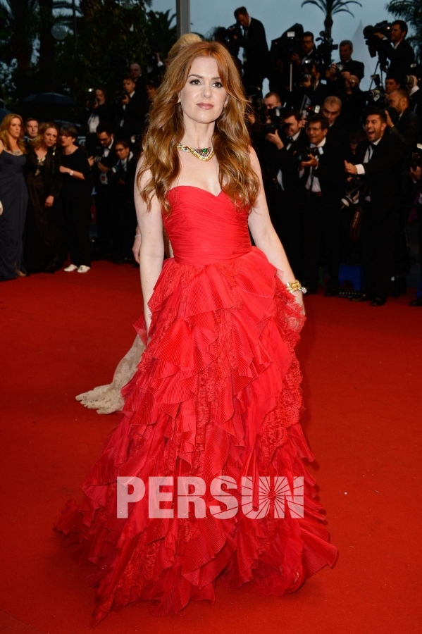 Robe de stars rouge princesse à volants Isla Fisher