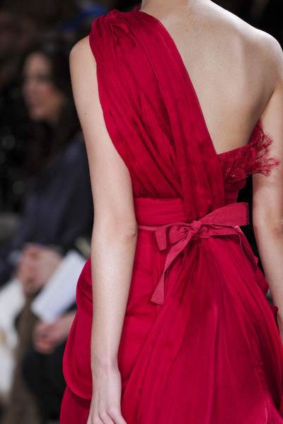 robe soirée rouge sexy asymétrique