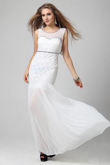 Vestido branco renda sereia decorado de jóias Chiffon