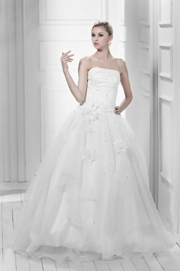 Princess Strapless Floor length Appliques Bridal Gown