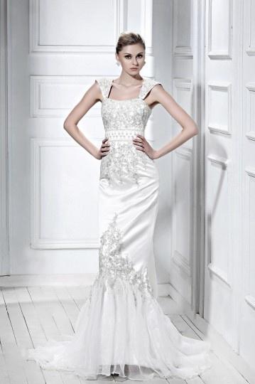 Trumpet / Mermaid Strapless Sleeveless Embroidering Wedding Dress