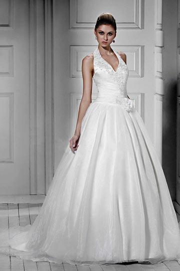 A line halter Floor length Court Appliques Wedding Dress