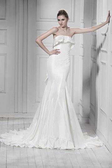 Elegantes Empire Meerjungfrau trägerloses Rüschen Brautkleid aus Taft Persun