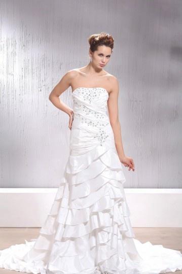 Vestido de noiva Sem alças, com babados jóias cravejado