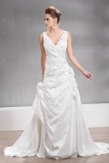 V neck Long Chapel Appliques Wedding Dress