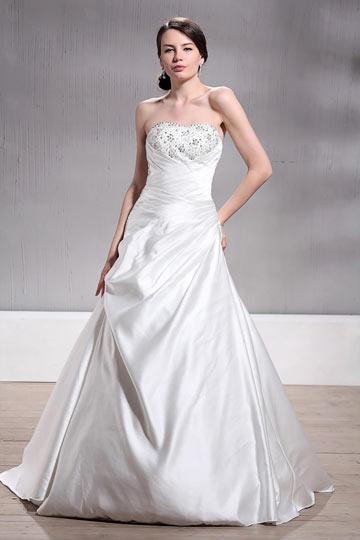A Line / Princess Sweetheart Chapel Beaded Plus Size Wedding Dress