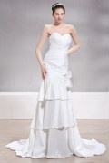 Trumpet / Mermaid Sweetheart Floor length Court Tiered Bridal Gown