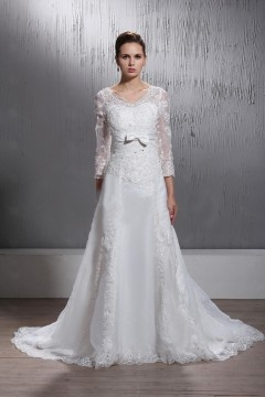 Elegant A Line Long Sleeves Laced V Neck Bow Wedding Dress