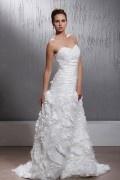 Robe de mariée à Ligne-A décolleté en cœur avec froufrou