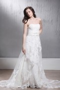 Sheath / Column Chapel Strapless Tulle Wedding Dress