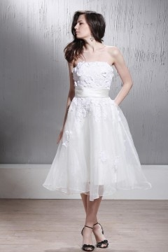 Knee Length Oranza Strapless Laced Appliques Sash Wedding Dress