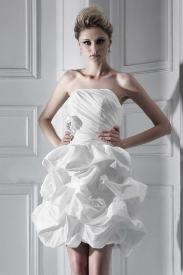 Short / Mini Strapless Ruffling Wedding Dress New Arrival