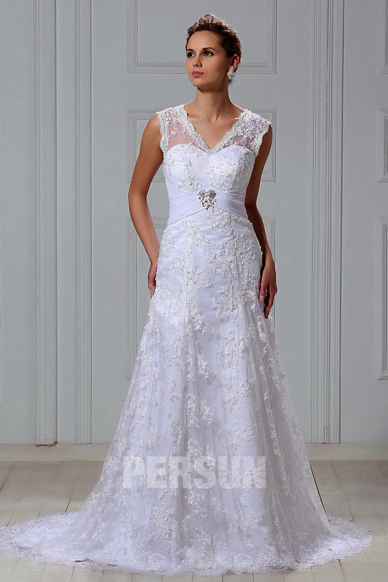 Classic A-line V-neck Lace Floor-length Plus Size Church Wedding Gown ...