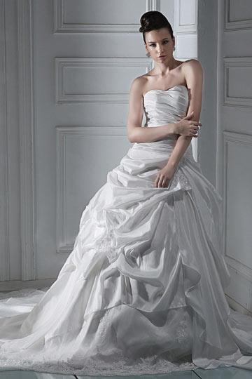 Vestido de noiva renda princesa Sem alça com cauda capela