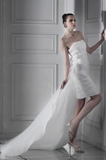 Chic weißes Etui-Linie Trägerloses Knielanges Brautkleider aus Organza Persun
