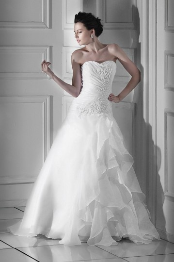 A line Sweetheart Floor Length Chapel Appliques Wedding Dress