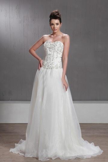 Vestido de noiva princesa decote em coração Vestido longo decorado de jóias