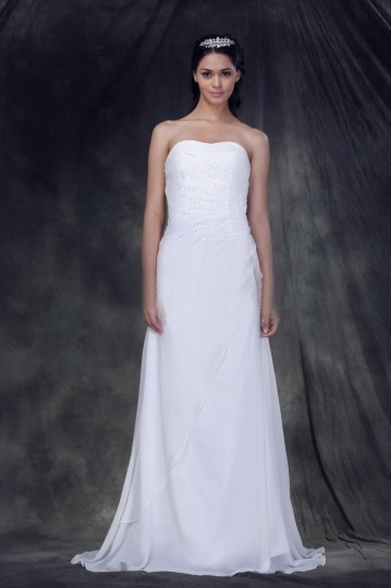 Sheath / Column Strapless Court Train Wedding Dress