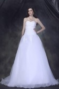 Strapless Sweetheart Ball Gown Organza Wedding Dress