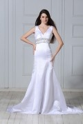 V neck Beaded Trumpet / Mermaid Floor length Chapel Wedding Dress