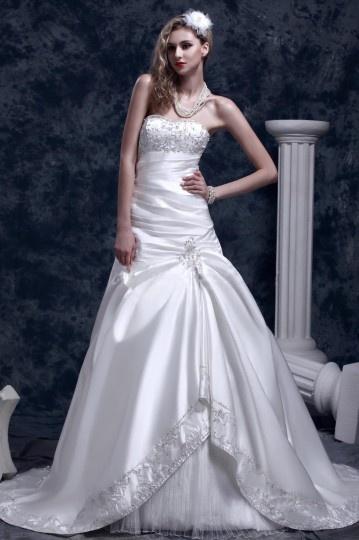 Fantástico Vestido de Novia con Strapless busto Hem Bordado Dobladillo