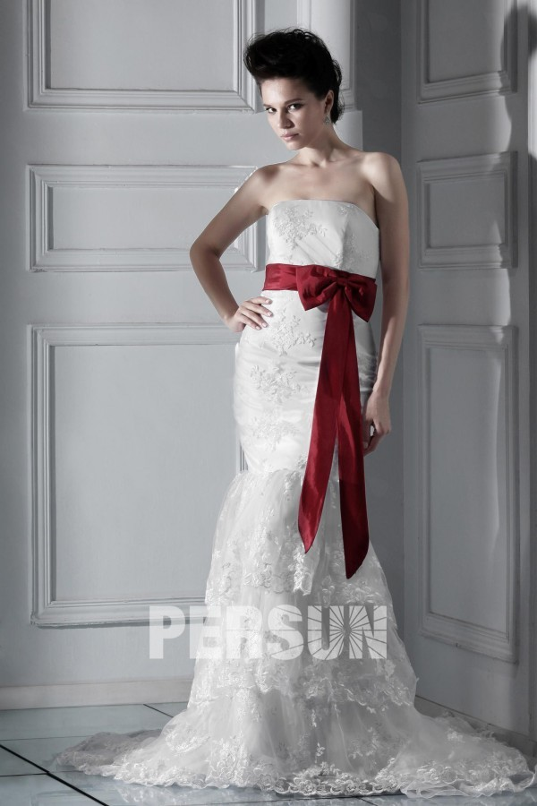 Vintage Meerjungfrua Applikation Hof-Schleppe Empire ivory Brautkleid aus Spitze