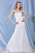 Chic Strapless A line Bow Backless Court Train Lace Brial Gown