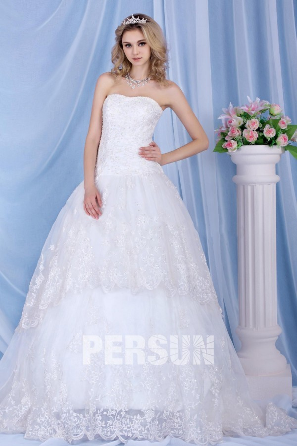 Glamorous Dramatic Charming Beaded Strapless A line Chapel Top Sell Bridal Dress Church Hall
