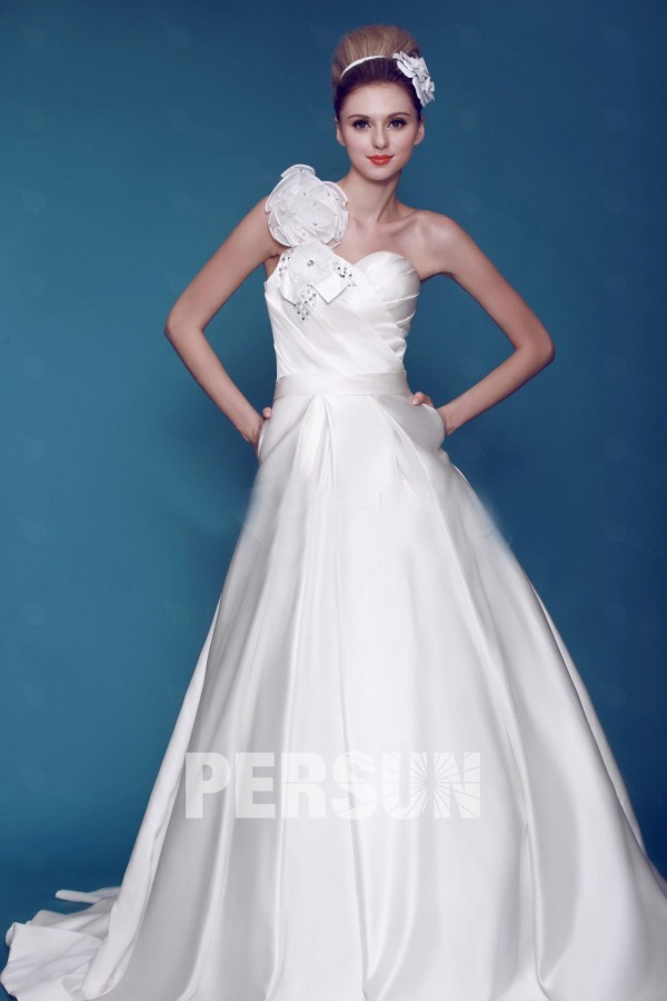 A line One shoulder Floor length Chapel Pockets Wedding Dress