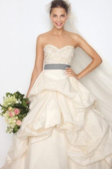 Robe de mariée traditionnelle à bustier cœur