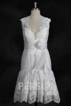 Robe de mariée courte en dentelle ivoire jupe volants
