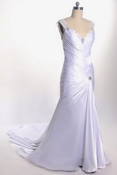Robe de mariée élégante ivoire décolletée en coeur à traîne Court ornée de bijoux