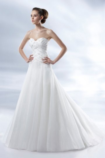 Walton on Thames Organza Sweetheart Beading Chapel Train Wedding Gown Persun
