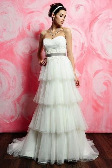 Tiered Strapless Wedding dress with Grey Belt