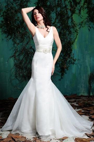 Elegantes Meerjungfrau V-Ausschnitt Empire Brautkleider aus Organza Persun