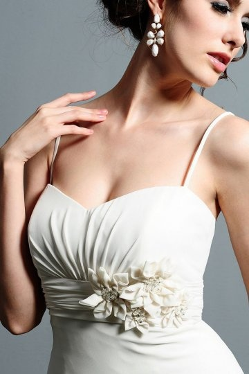 Sheath Sweetheart Flower Chiffon Wedding Dress with Ruffle Back