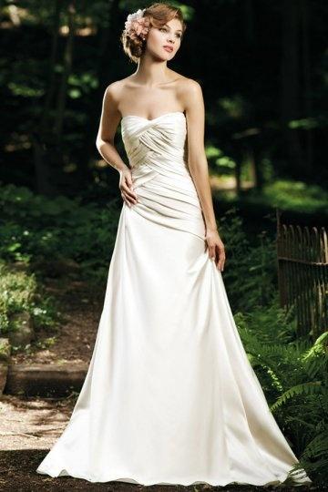 Schlichtes Herz-Ausschnitt Falte beige Satin Brautkleid ...